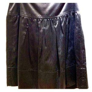 Black BCBG sateen skirt size 2, NWT